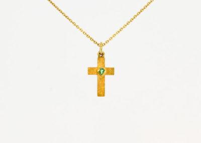 Kreuz, Smaragd, Gold