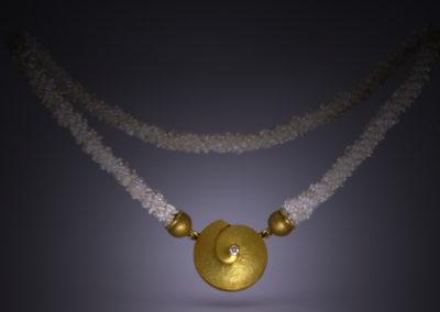 Perlen und Gold Schnecke