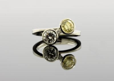 Ring, Brillant, weiß und gelb Platin
