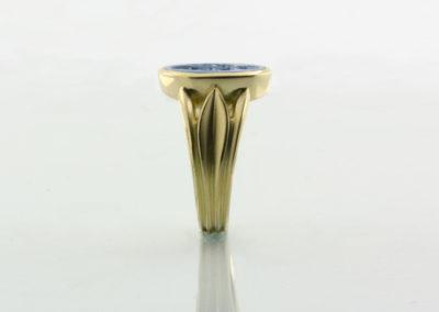 Wappenring, Lagenstein grau mit Lilie Gold